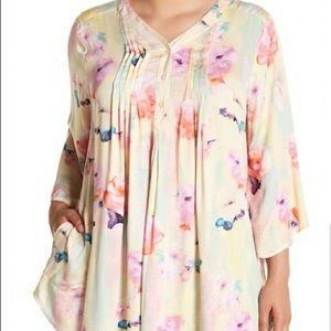 Melissa McCarthy seven7 size 2X floral blouse